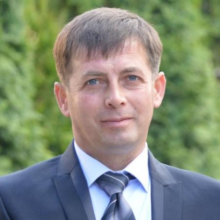 SE BUCURĂ DE ROUA DIMINEȚILOR ACASĂ DUPĂ MULȚI ANI MUNCIȚI PESTE HOTARE