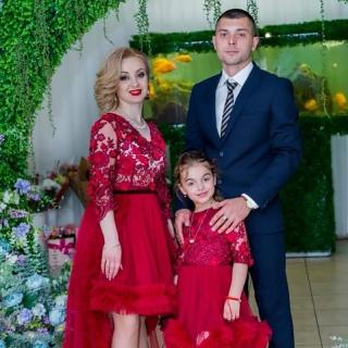 """""""DAVIE STILL"""" – AFACEREA CARE ÎMBRACĂ CU STIL FEMEILE"""